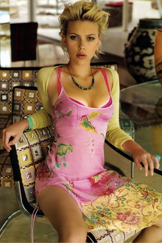 Scarlett Johansson iPod Touch Wallpaper