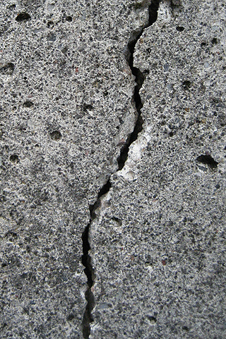 Crack iPod Touch Wallpaper