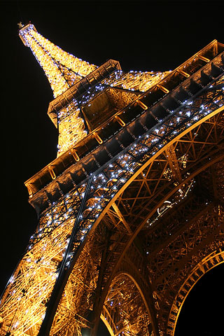 Eiffel Tower iPod Touch Wallpaper