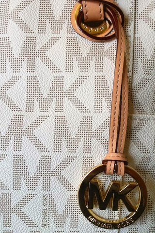 Michael Kors iPod Touch Wallpaper